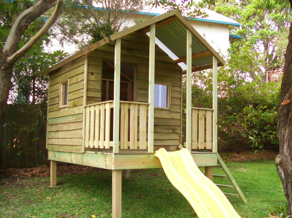 cubby house 2.8m x 1.8m with deck, x1 side rail, x2 sliding perspex, ladder, slide, 1mtre elevation $2600 Installed