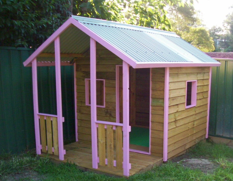 cubby house 2.8m x 1.8m with deck, x2 perspex windows, pink trim $1350