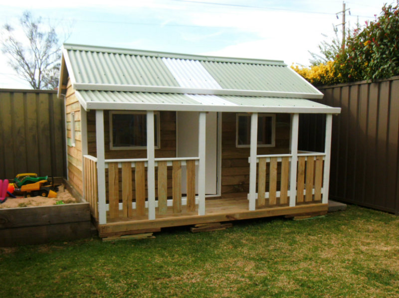 cubby house 3m x 2.8m with deck, with side rails, x4 60cm perspex windows, ply door, painted trim $2760
