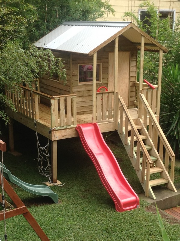 cubby house 2.8m x 2.8m, x2 perspex windows, ply door, 1.2m elevation, all accessories, including accessories & installation $3780