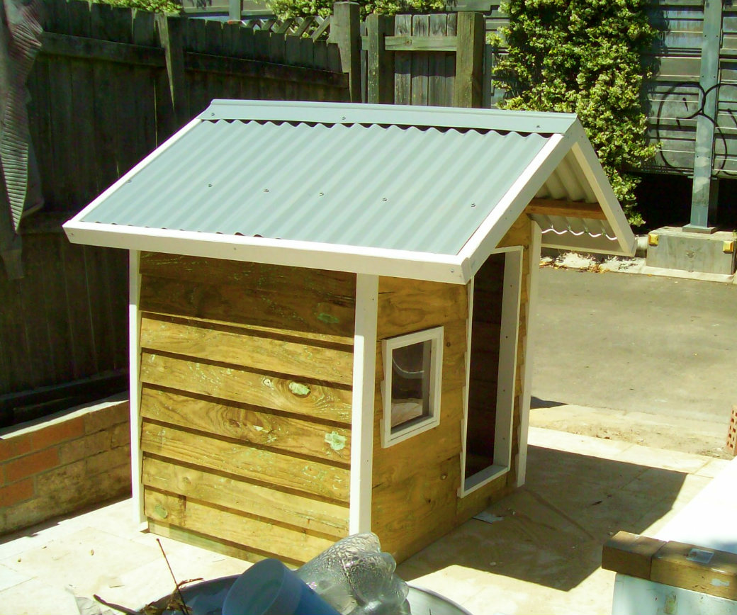 dog kennel 1.2m x 1.2m, gable roof, perspex window, white trim $635