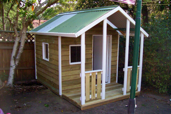 medium cubby house with verandah, x2 perspex windows, ply door, white trim $1420 with accessories