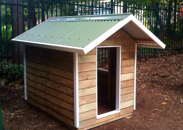 small cubby house, x1 window opening, white trim $750 with accessories