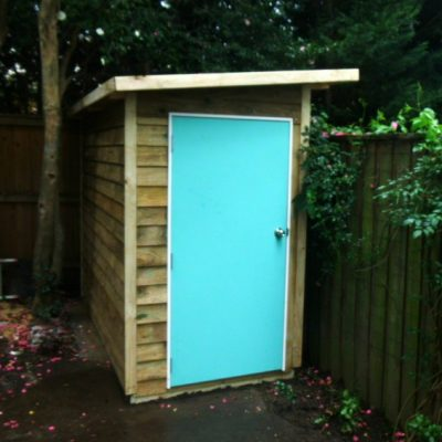 shed solid door included