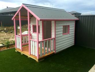 Medium Cubby with verandah, pink trim