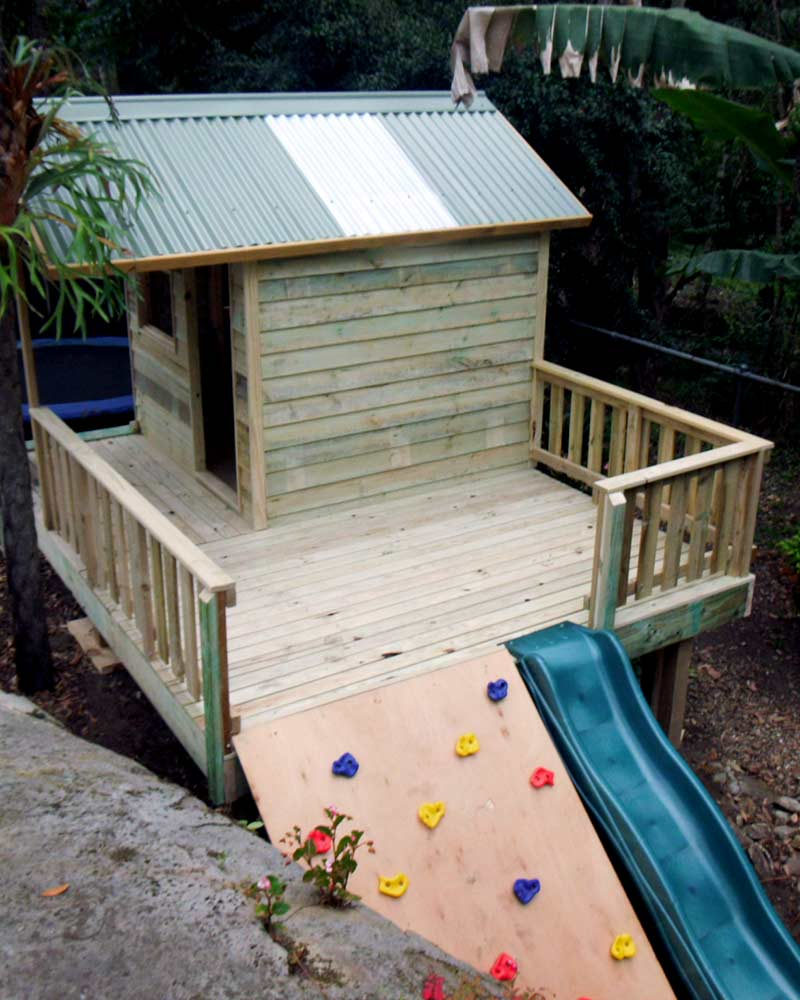 kids elevated timber cubby house Southside