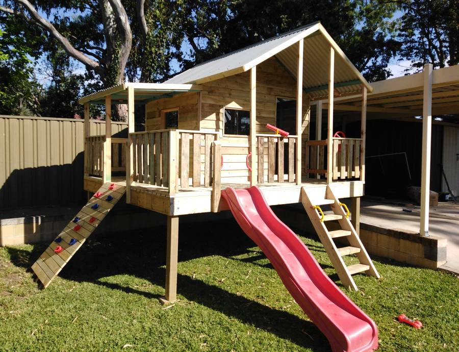 cool cubby house with ladder at Wollongong