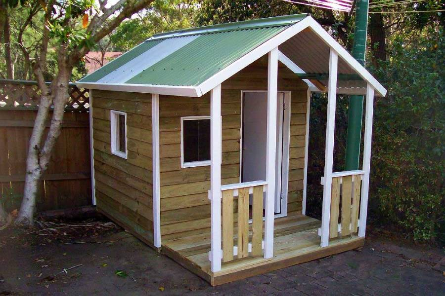 medium cubby house